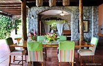 open concept villa dining area2