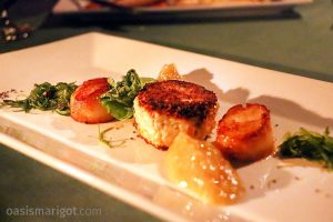 seared scallops and crab cake appetizer